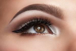 oog en wimper en wenkbrauw